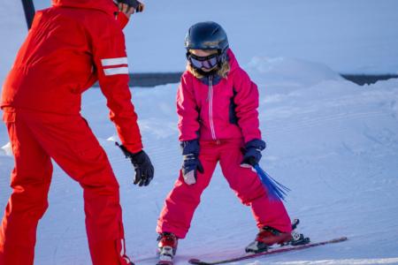 Szukasz pracy, jako instruktor narciarstwa zjazdowego i/lub snowboardu?